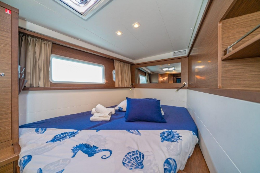 Rent a Lagoon Lagoon 450 Sport LUX equipped with generator, A/C (saloon+cabins), ice maker, dishwasher, 2 S.U.P., underwater lights Split