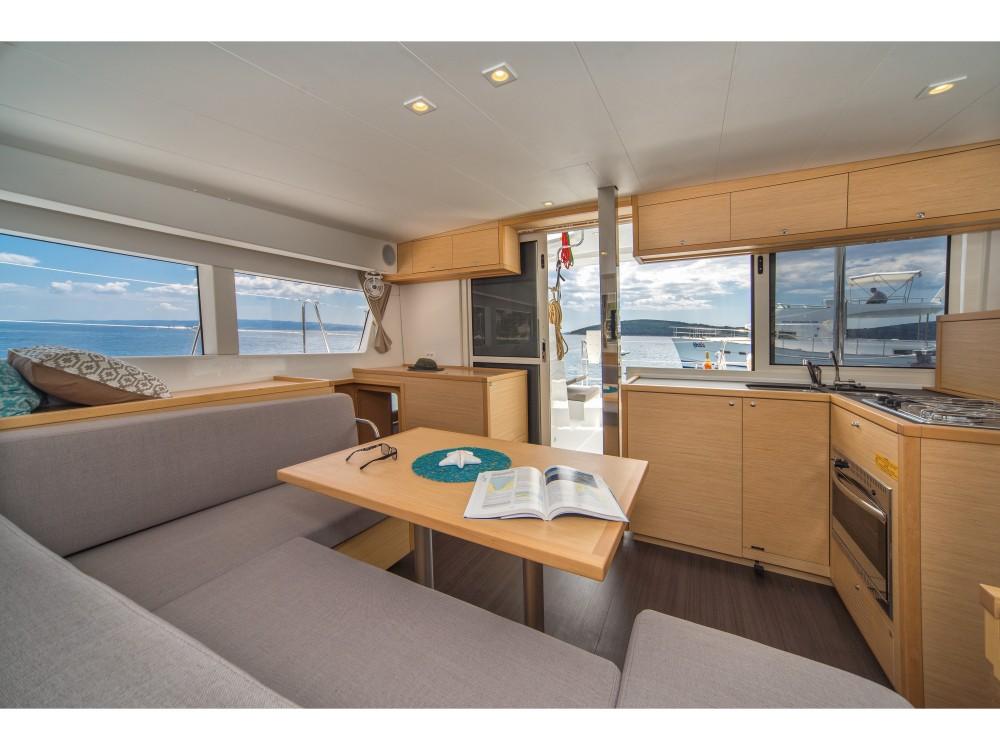 Boat rental Lagoon Lagoon 39 (2017) in Slano on Samboat
