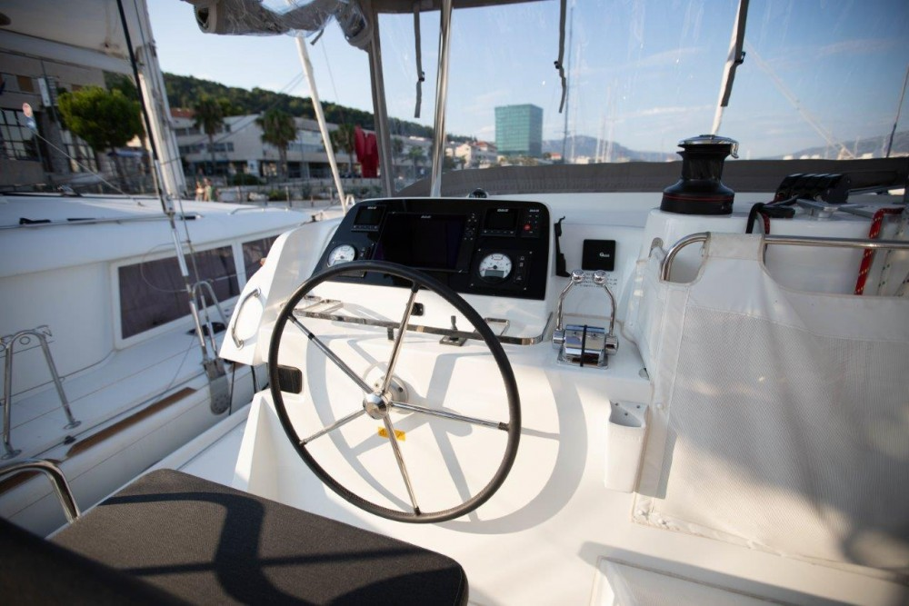 Boat rental Lagoon Lagoon 42 (2018) equipped with generator, A/C (saloon+cabins), water maker, bow thruster in Slano on Samboat