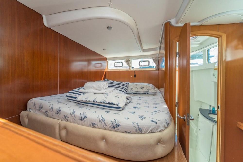 Rental Catamaran in Split - Lagoon Lagoon power 44 (2006) - 2020 total refit
