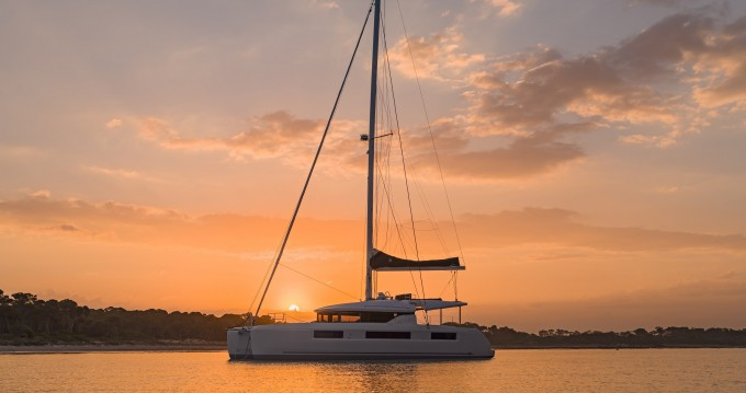 Boat rental Lagoon Lagoon 50 LUX (2020) equipped with airconditioning (saloon + cabins), generator, watermaker, ice maker, dishwasher, washer/dryer, JOBE infinity sea scooter, 2 SUP, snorkel sets, water-ski, kneeboard in Split on Samboat