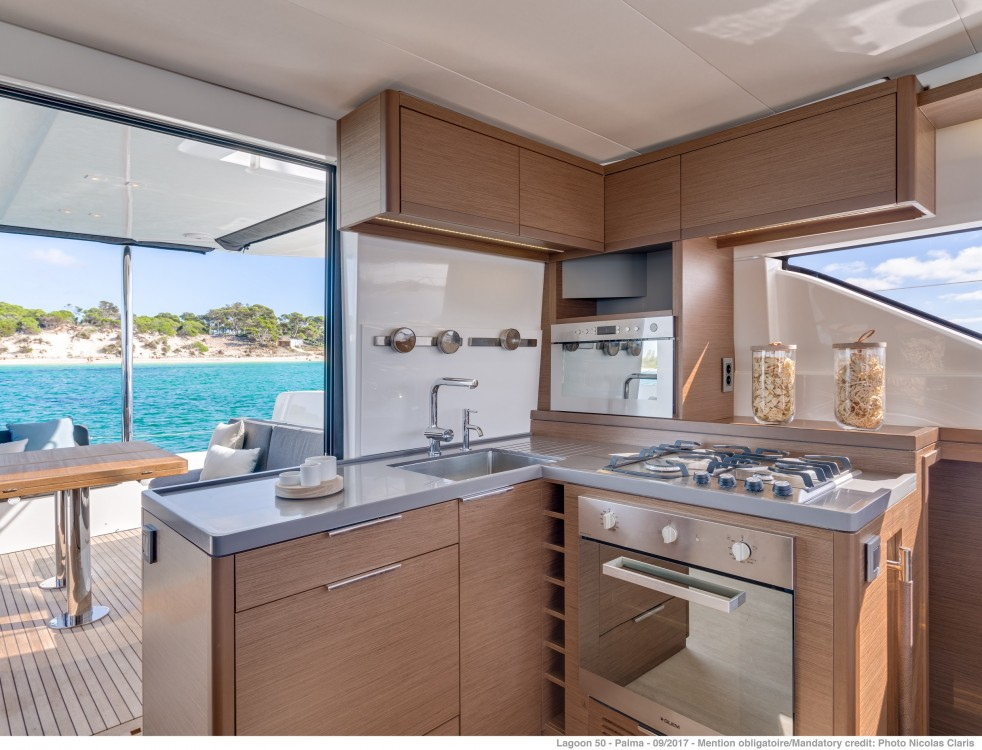 Boat rental Split cheap Lagoon 50 LUX (2020) equipped with airconditioning (saloon + cabins), generator, watermaker, ice maker, dishwasher, washer/dryer, 2 SUP
