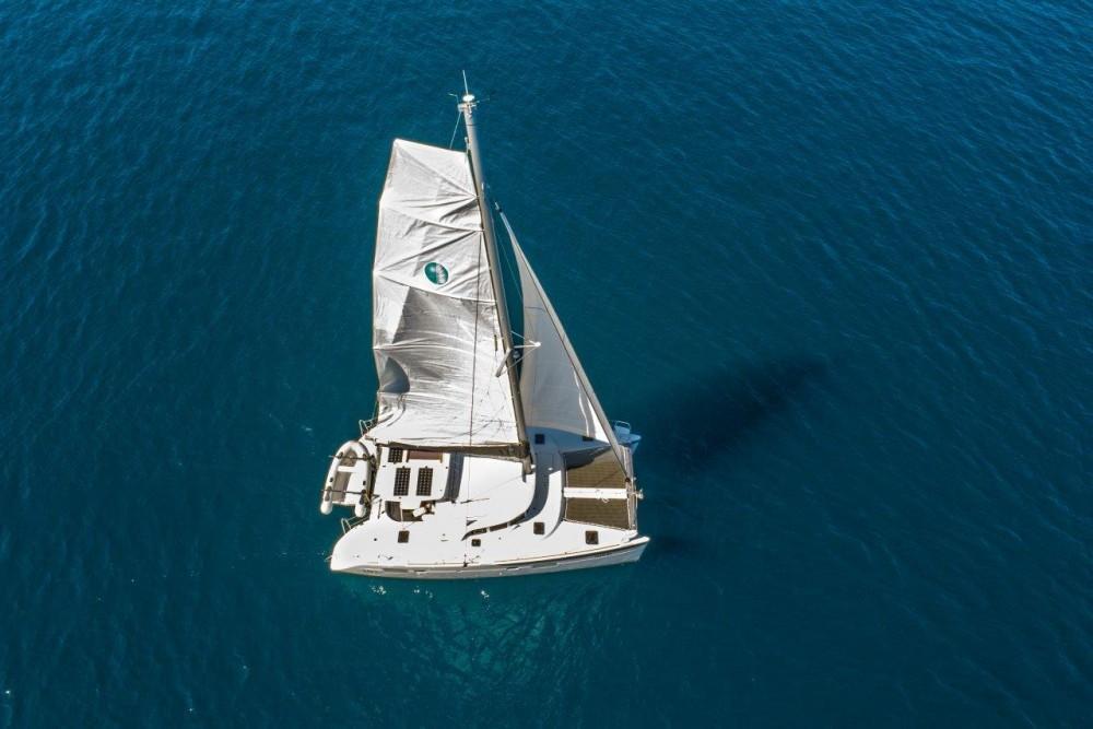 Boat rental Lagoon Lagoon 380 (2017) in Slano on Samboat