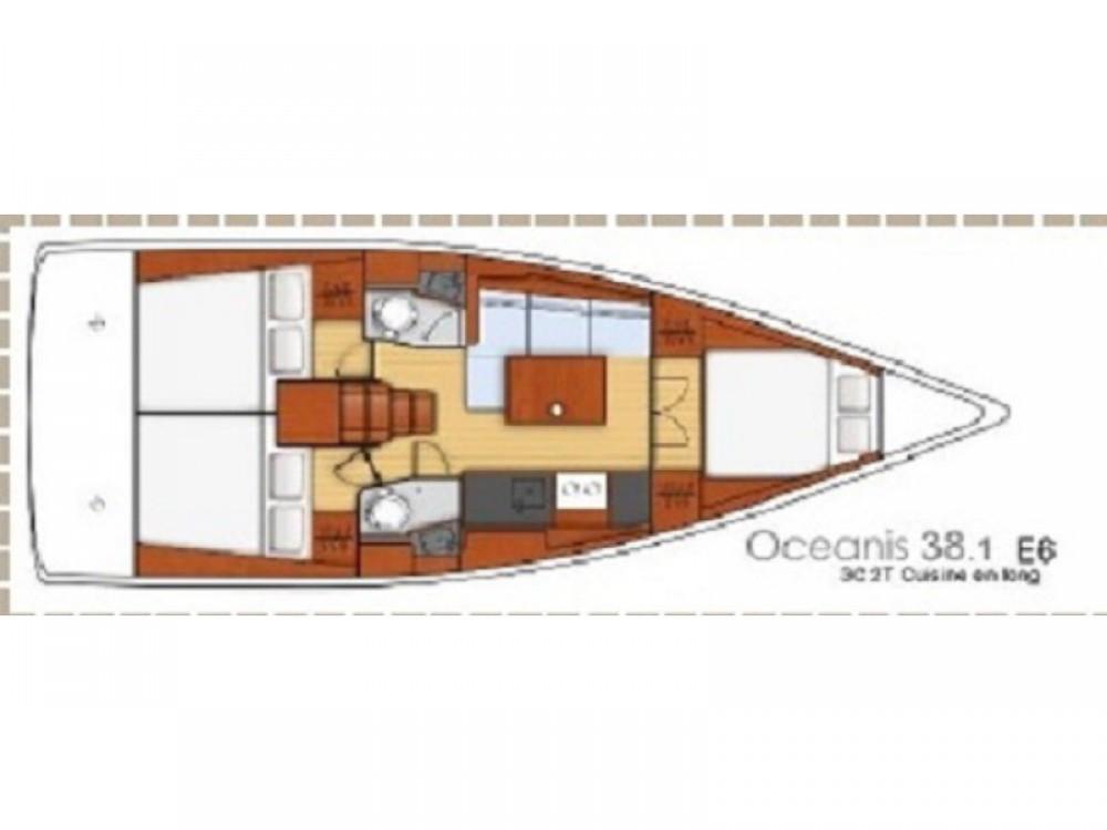 Boat rental Bénéteau Oceanis 38.1 (2017) in Split on Samboat