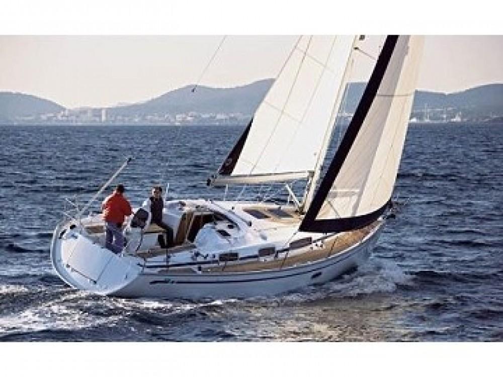Rental yacht  - Bavaria Bavaria 35 Cruiser on SamBoat