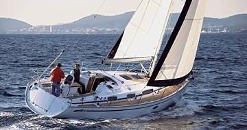 Rent a Bavaria Bavaria 35 Cruiser Lefkas Marina