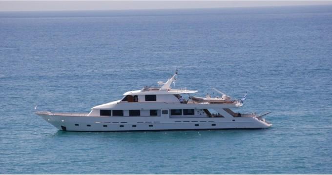 Rental Yacht in Athens -  Perama Shipyards 102