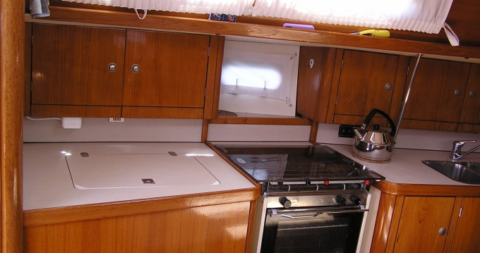 Rental yacht Lefkas Marina - Jeanneau Sun Odyssey 37.1 on SamBoat
