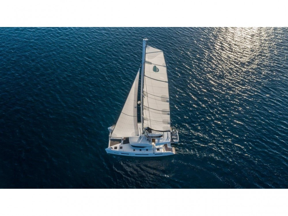 Lagoon Lagoon 50 (2018)equipped with airconditioning (saloon + cabins), generator, watermaker, ice maker, dishwasher, washer/dryer, 2 SUP between personal and professional Split