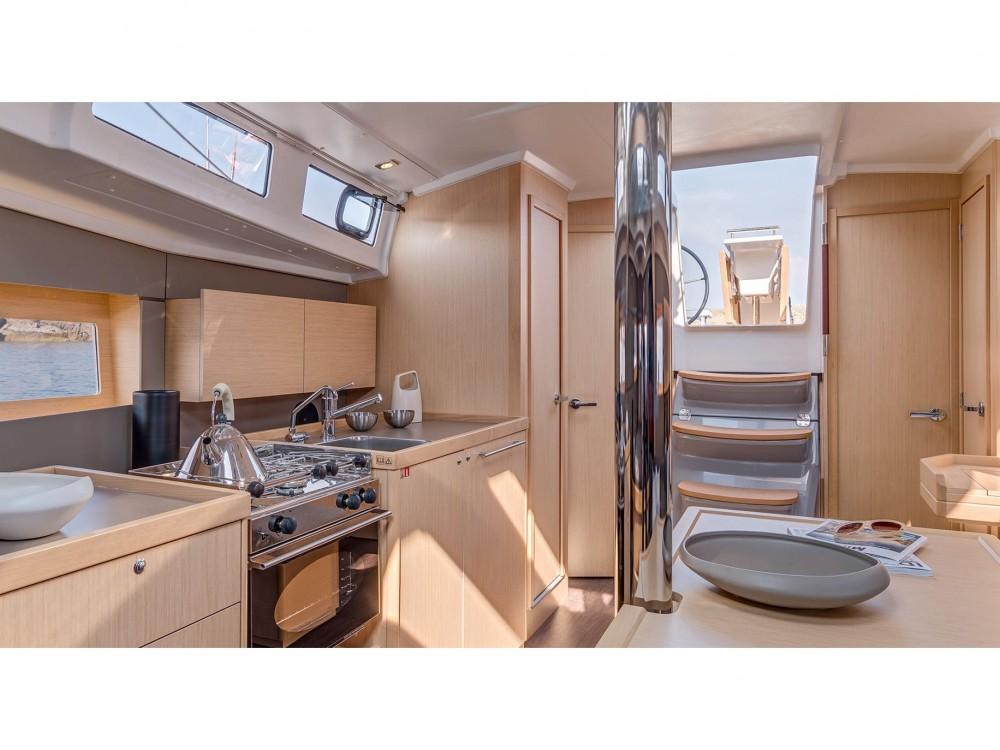 Rental yacht Lefkada - Bénéteau Oceanis 38.1 on SamBoat
