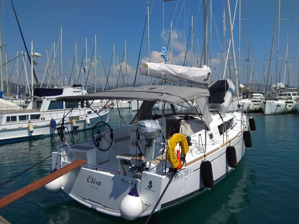 Boat rental Bénéteau Oceanis 38.1 in Lefkada on Samboat