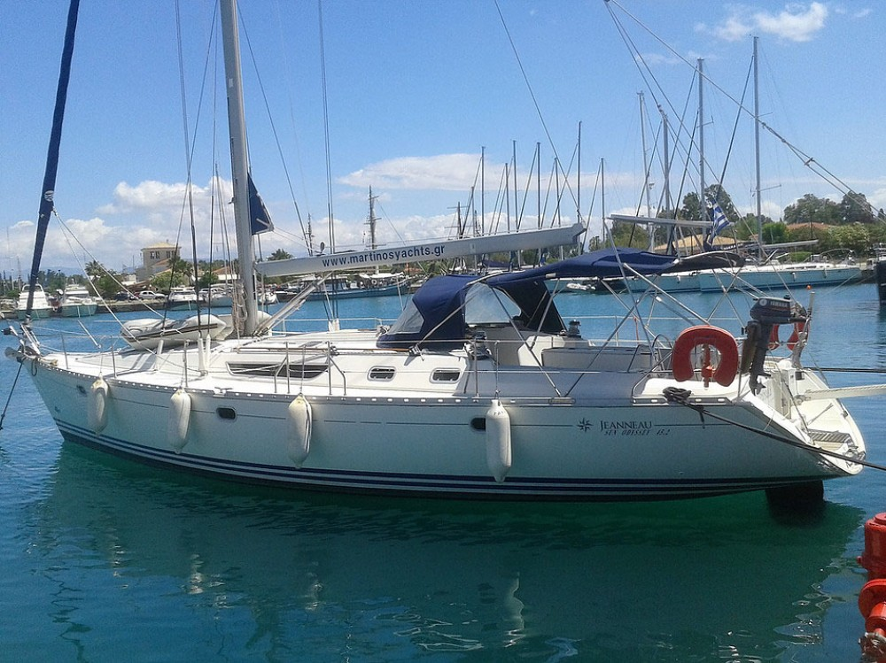 Jeanneau Sun Odyssey 45.2 between personal and professional