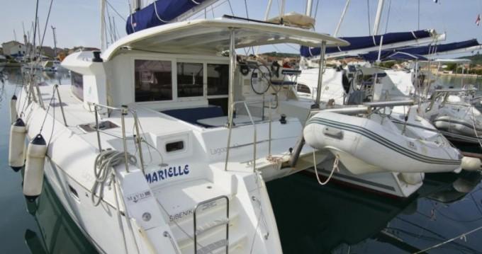 Rental yacht Betina - Lagoon Lagoon 421 on SamBoat