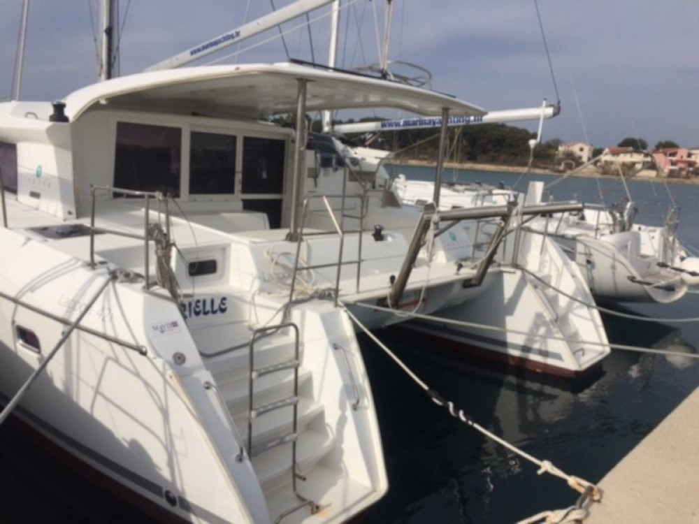 Rental Catamaran in Murter - Lagoon Lagoon 421