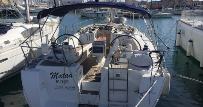 Boat rental Betina cheap Oceanis 43