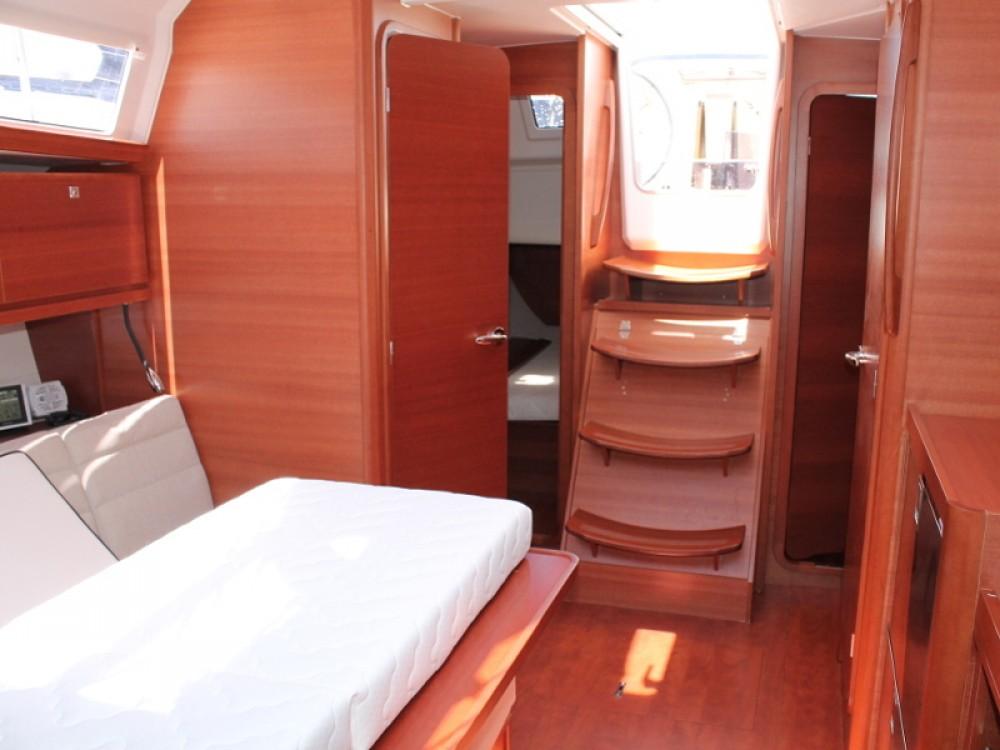 Rental yacht Furnari - Dufour Dufour 382 on SamBoat