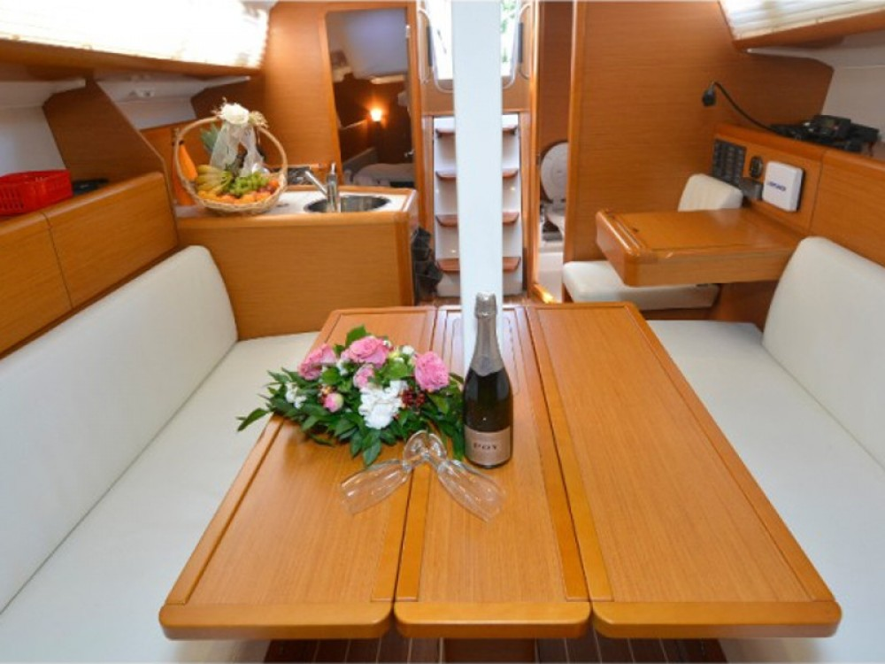 Rental yacht Marsala - Jeanneau Sun Odyssey 33 on SamBoat