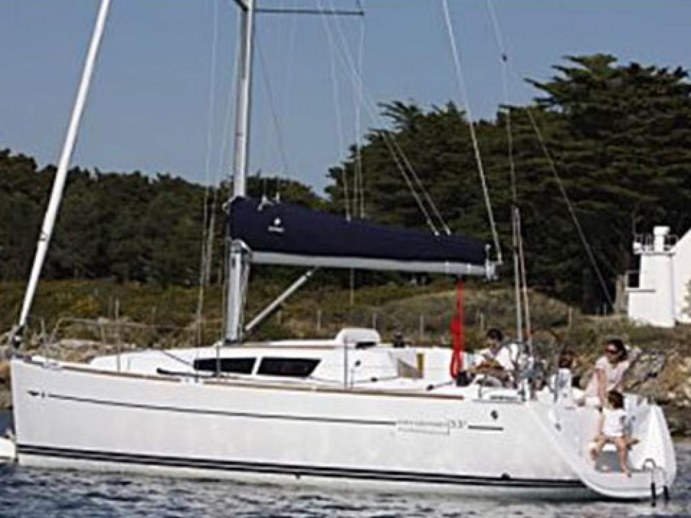 Rental Sailboat in Marsala - Jeanneau Sun Odyssey 33