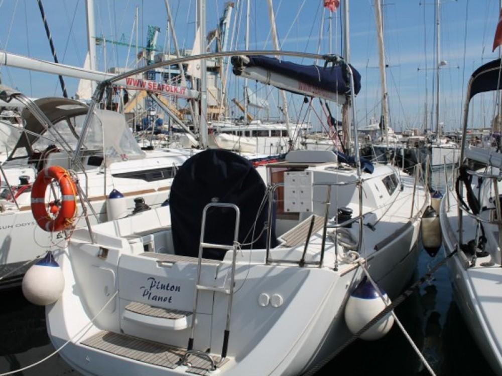 Boat rental Jeanneau Sun Odyssey 33 in Marsala on Samboat