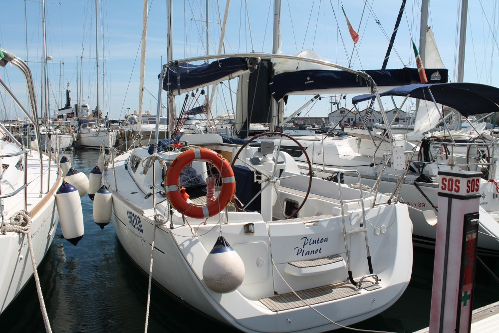 Jeanneau Sun Odyssey 33 between personal and professional Marsala Marina
