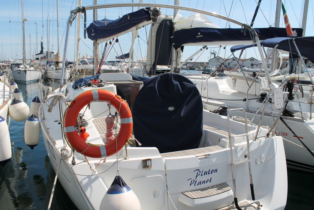 Sailboat for rent Marsala at the best price