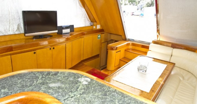 Yacht for rent Primošten at the best price