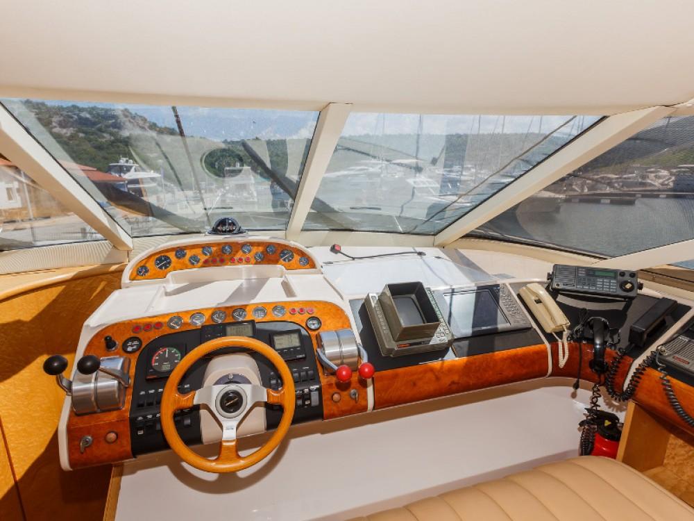 Rental Yacht in Primošten - Fairline Fairline 65 Squadron