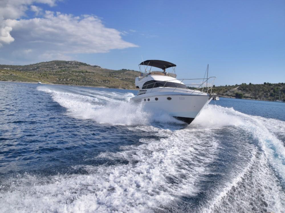 Rental Motor boat in Primošten - Fairline Fairline Phantom 40