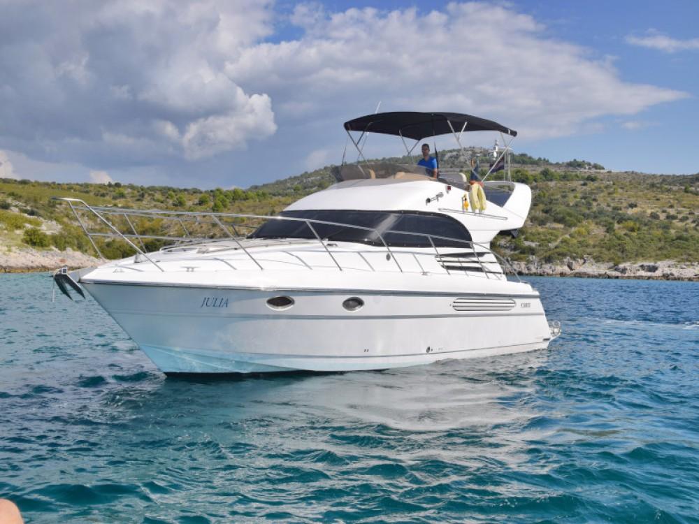 Boat rental Fairline Fairline Phantom 40 in Primošten on Samboat