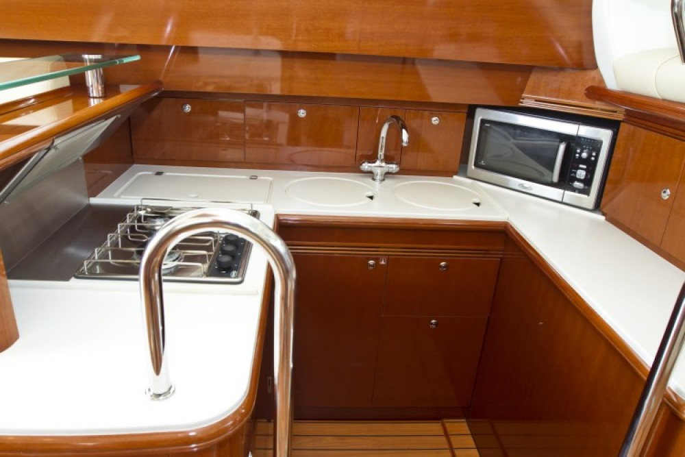 Boat rental Jeanneau Jeanneau Prestige 46 Fly in Primošten on Samboat