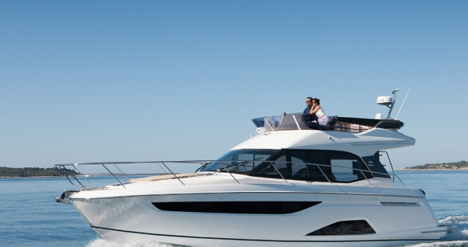 Hire Motorboat with or without skipper Bavaria Veruda