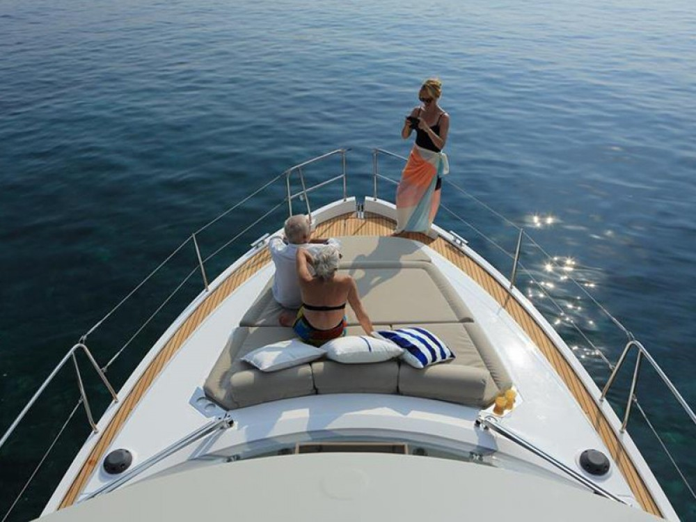 Rental Motor boat in Marina Kornati - Bavaria Bavaria E40 Fly