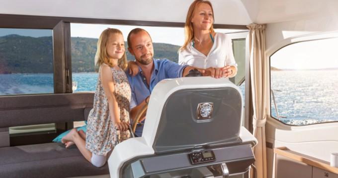 Rental yacht Biograd na Moru - Bavaria Bavaria E40 Sedan on SamBoat