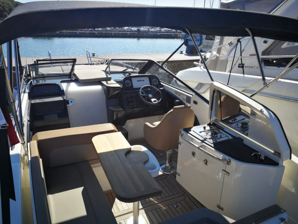 Hire Motor boat with or without skipper Quicksilver Pula