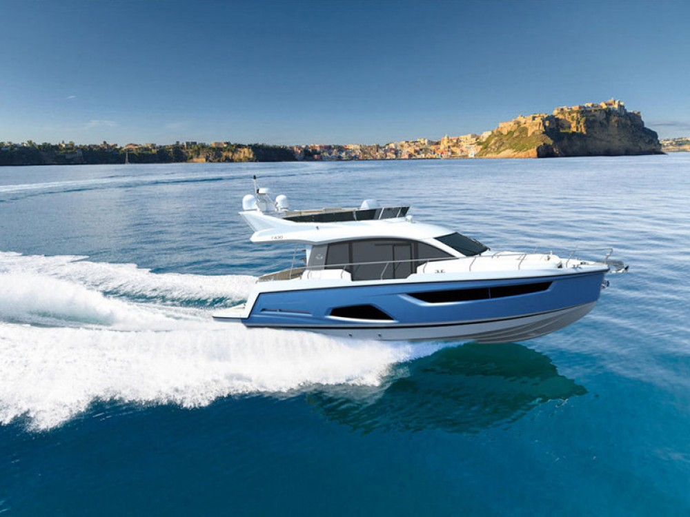 Hire Motor boat with or without skipper Sealine Pola