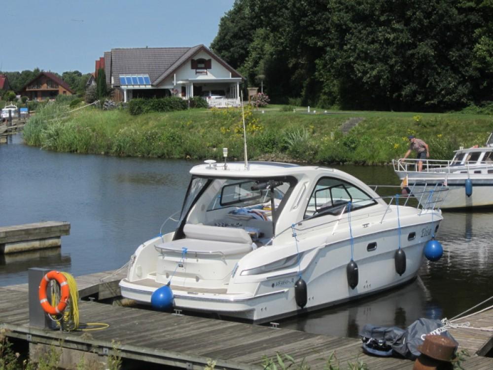 Boat rental Bavaria Bavaria Sport 34 HT in Pula on Samboat