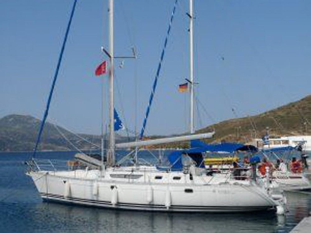 Boat rental Jeanneau Sun Odyssey 45.2 in Álimos on Samboat