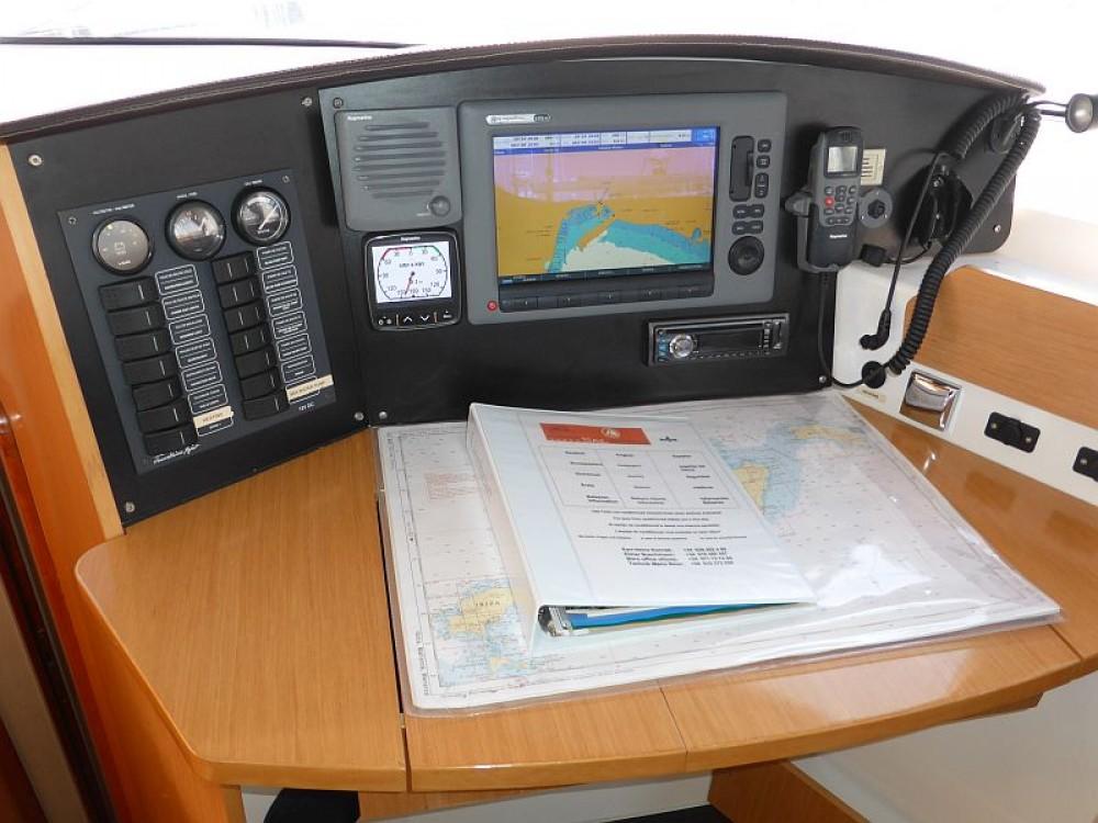 Rental Catamaran in Palma - Fountaine Pajot Lipari 41