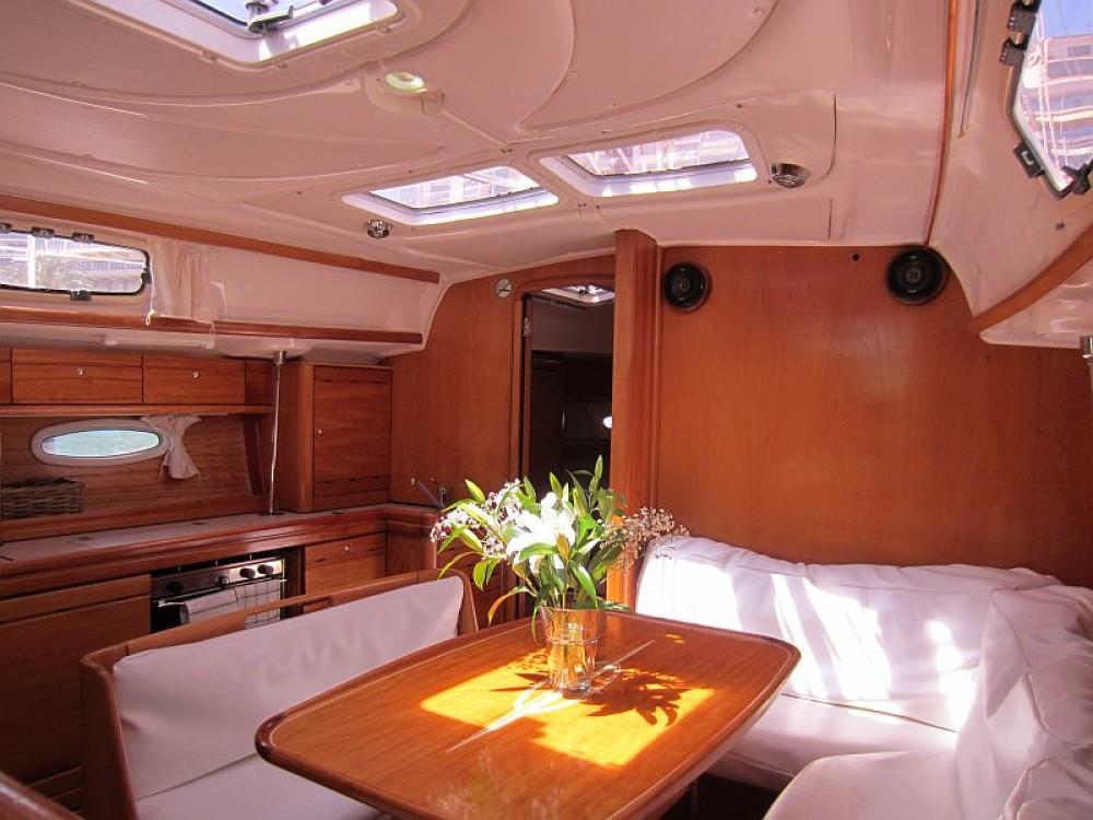 Rental Sailboat in Palma - Bavaria Bavaria 39 Cruiser