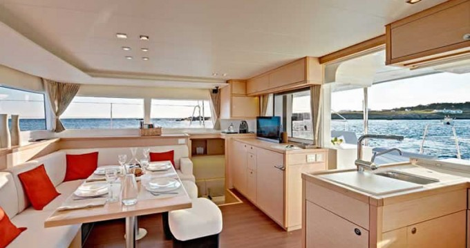 Rental Catamaran in Palma de Mallorca - Lagoon Lagoon 450