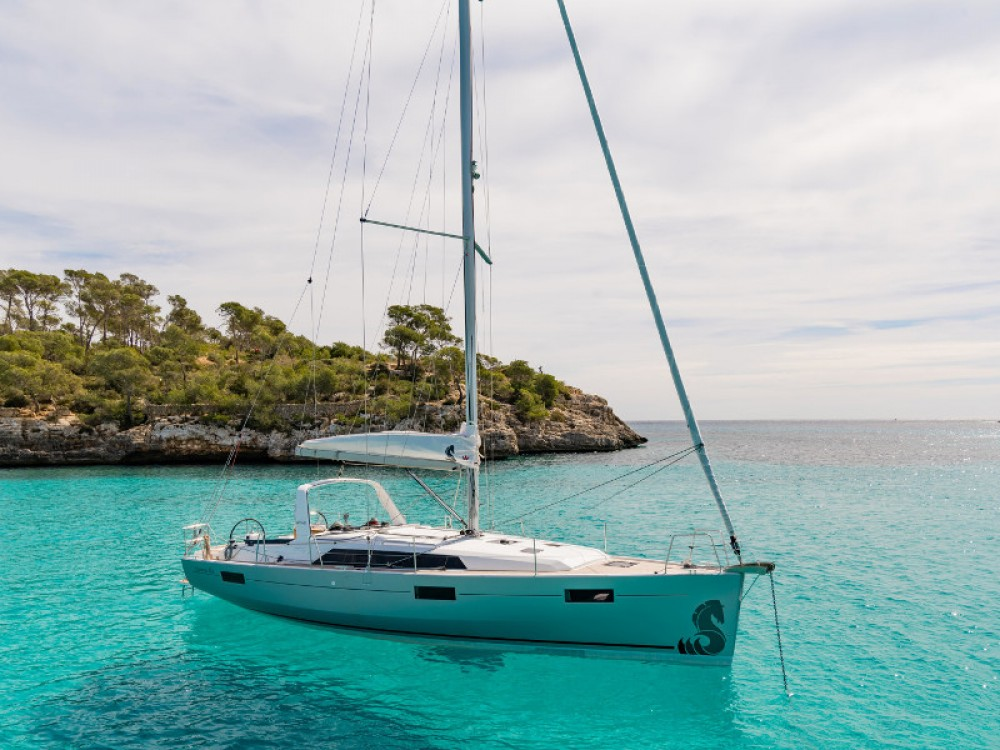 Rental yacht Palma - Bénéteau Oceanis 41.1 on SamBoat