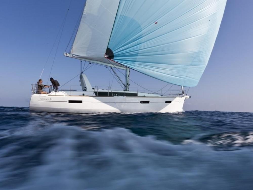 Boat rental Bénéteau Oceanis 41 in Palma de Majorque on Samboat