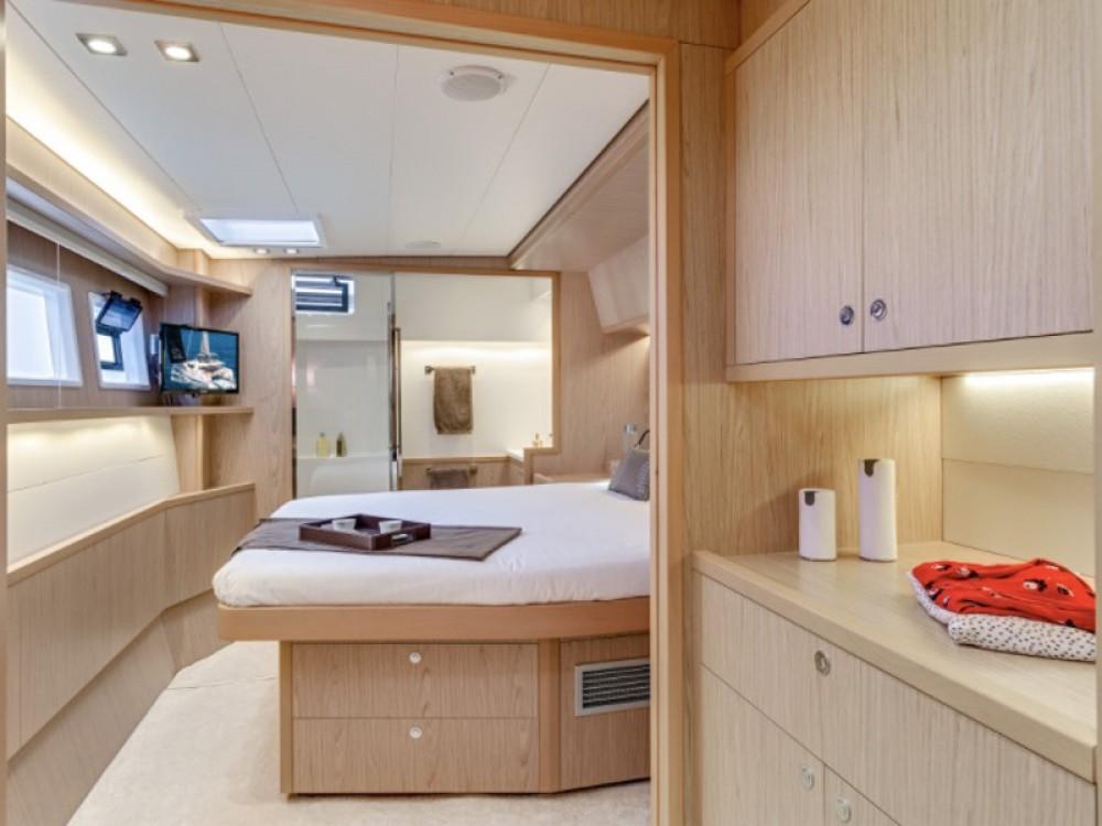 Boat rental Castellammare di Stabia cheap Lagoon 52F