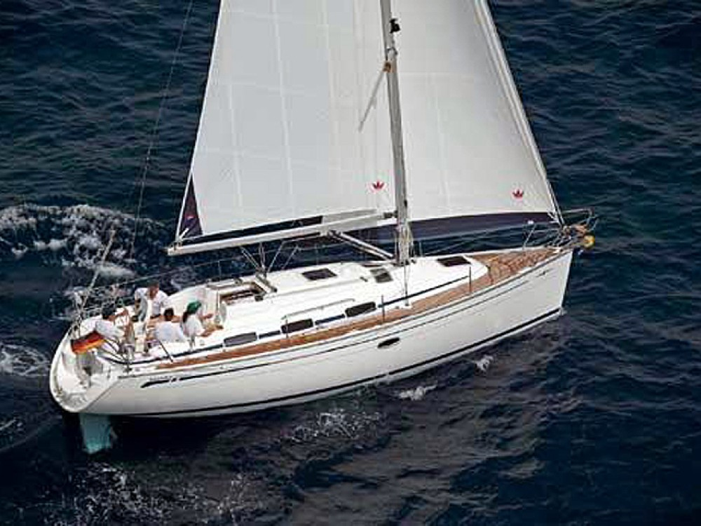 Boat rental Bavaria Bavaria 33 Cruiser in  on Samboat