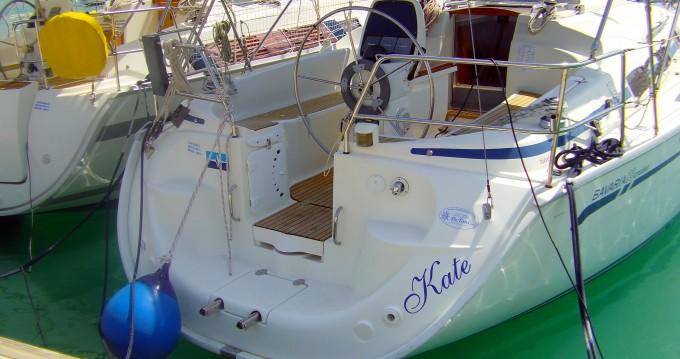 Boat rental Bavaria Bavaria 33 Cruiser in Trogir on Samboat