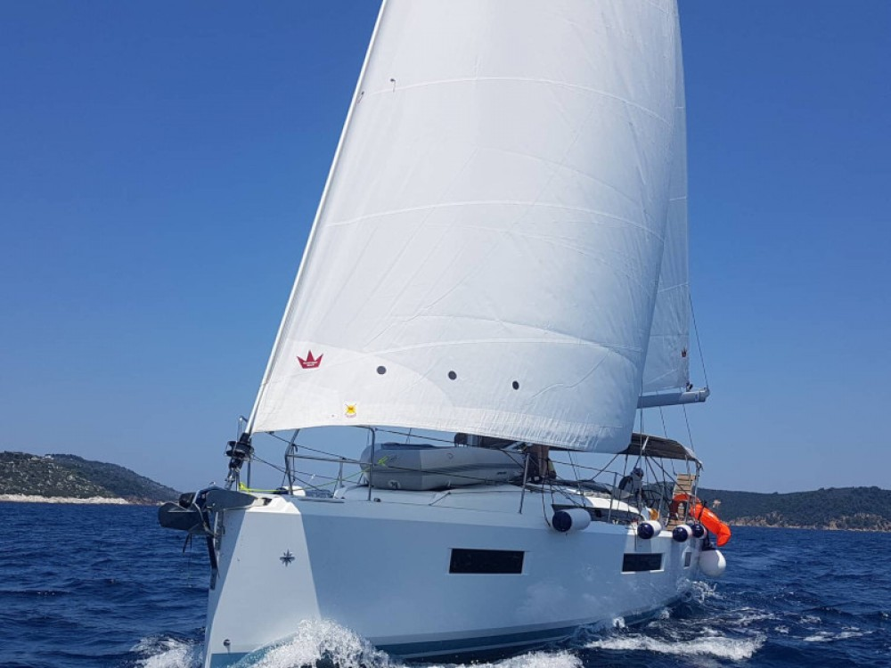 Jeanneau Sun Odyssey 440 between personal and professional Volos Municipality