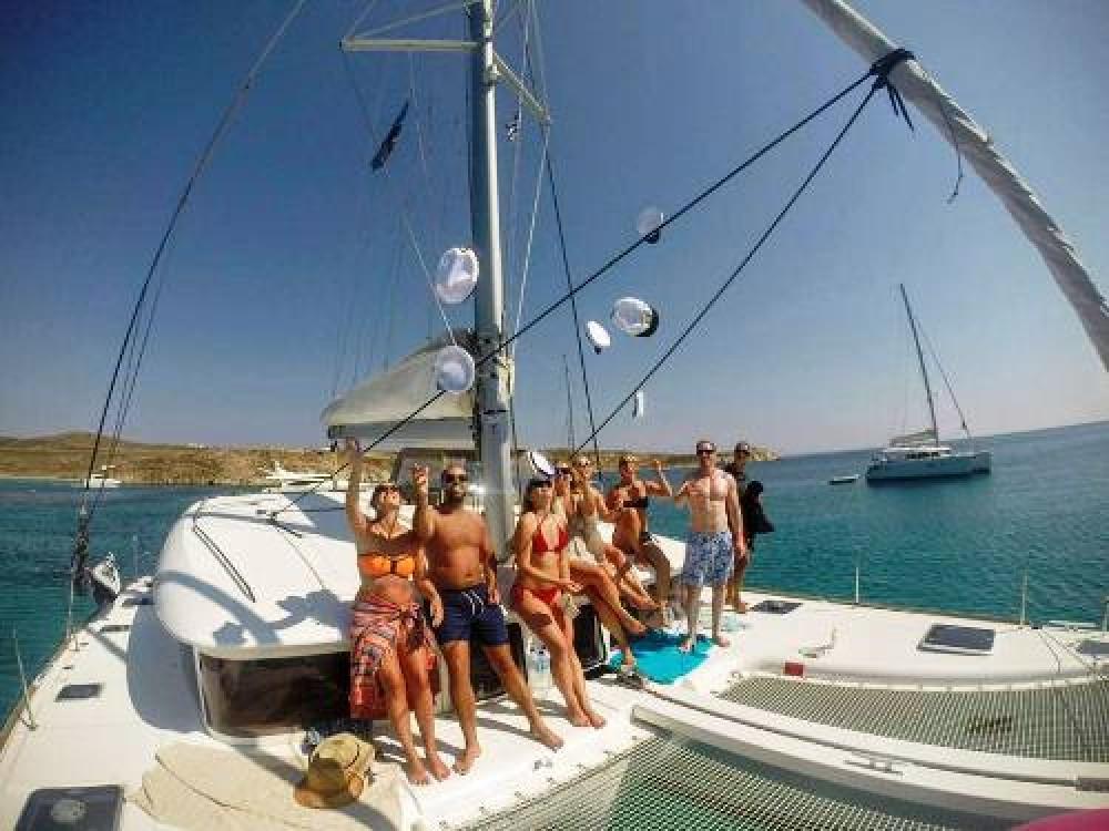Boat rental Adamantas cheap Lagoon 400 S2