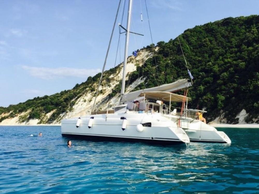 Rental yacht Volos Municipality - Fountaine Pajot Athena 38 on SamBoat