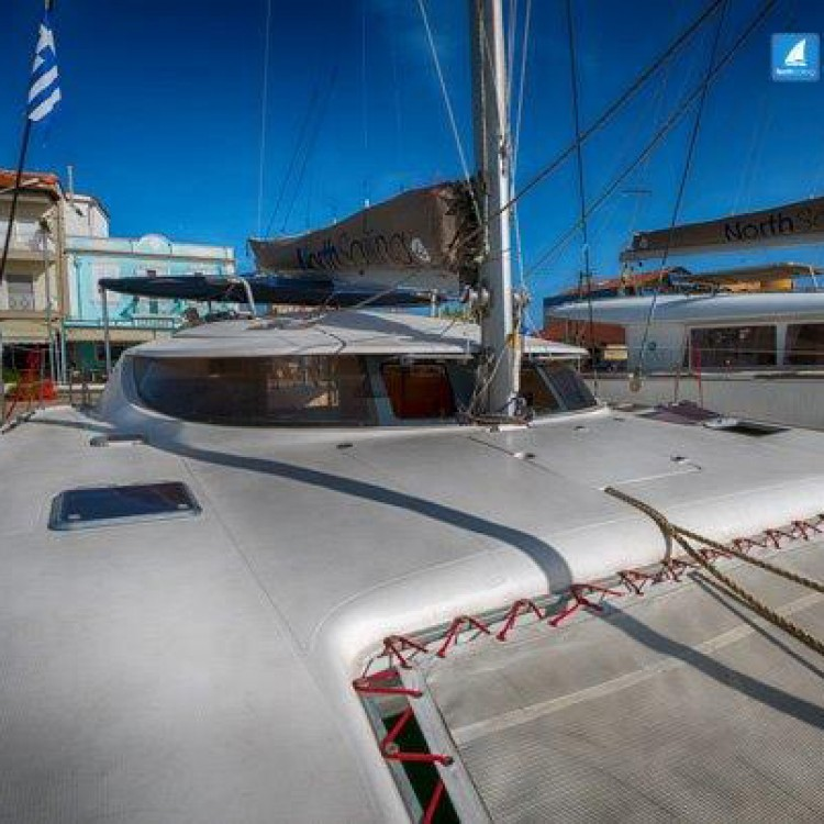 Boat rental Fountaine Pajot Athena 38 in Volos Municipality on Samboat