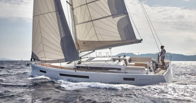 Jeanneau Sun Odyssey 490 between personal and professional Skiathos